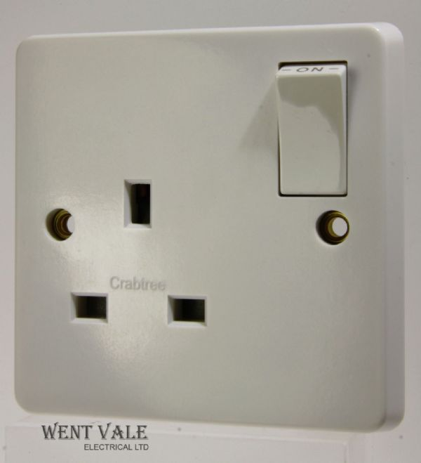 Crabtree Capital Series 4000 - 4304/D White Moulded 13a Single Switched Socket